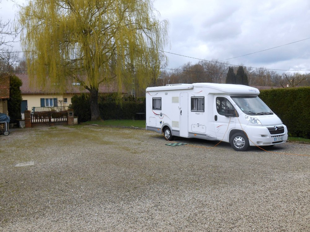 Aire camping-car à Relans (39140) - Photo 2
